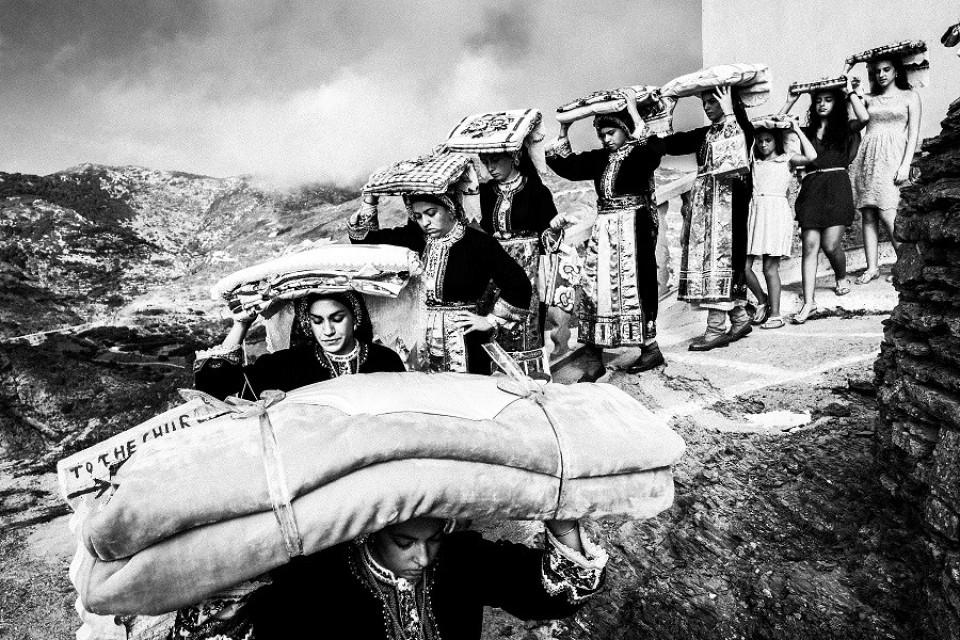 Όλυμπος Καρπάθου. Μεταφορά των προικιών, 2016. - Εικόνα 3