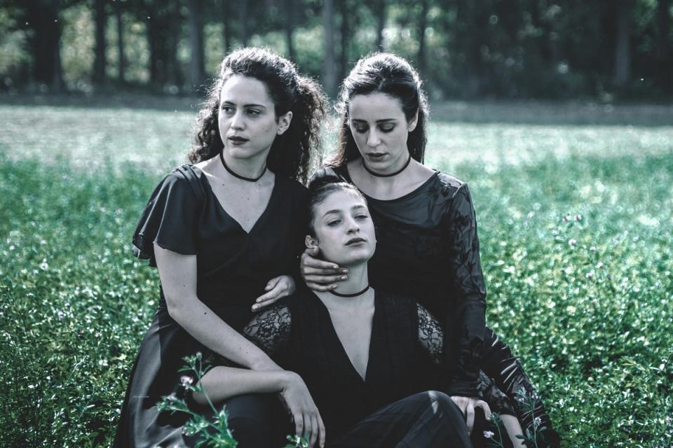 Τρεις αδελφές του Αντόν Τσέχωφ στο Θέατρο της Εταιρείας Μακεδονικών Σπουδών - Εικόνα 4